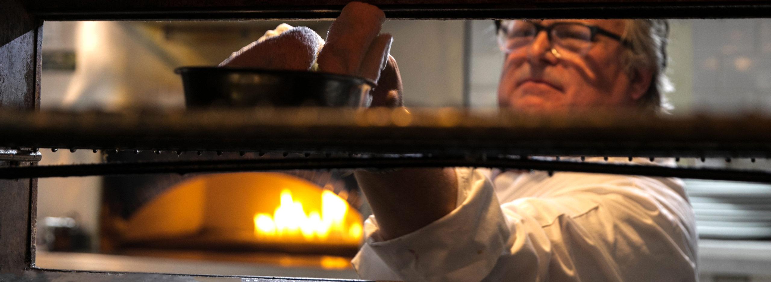 Chef David Burke cooking in David Burke Tavern